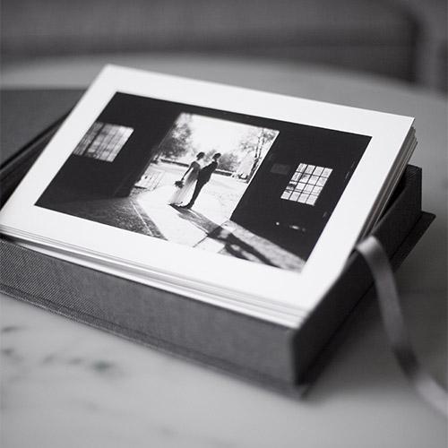 linnebox, förstoring, fine art, bröllopsfotograf uppsala, bröllop, fotograf, kärlek, förlovningsfotografering, bröllopsbilder